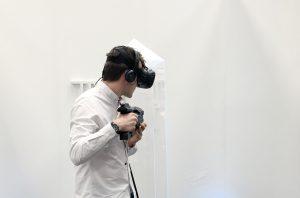 Mit VR-Brille aud der CEBIT 2017